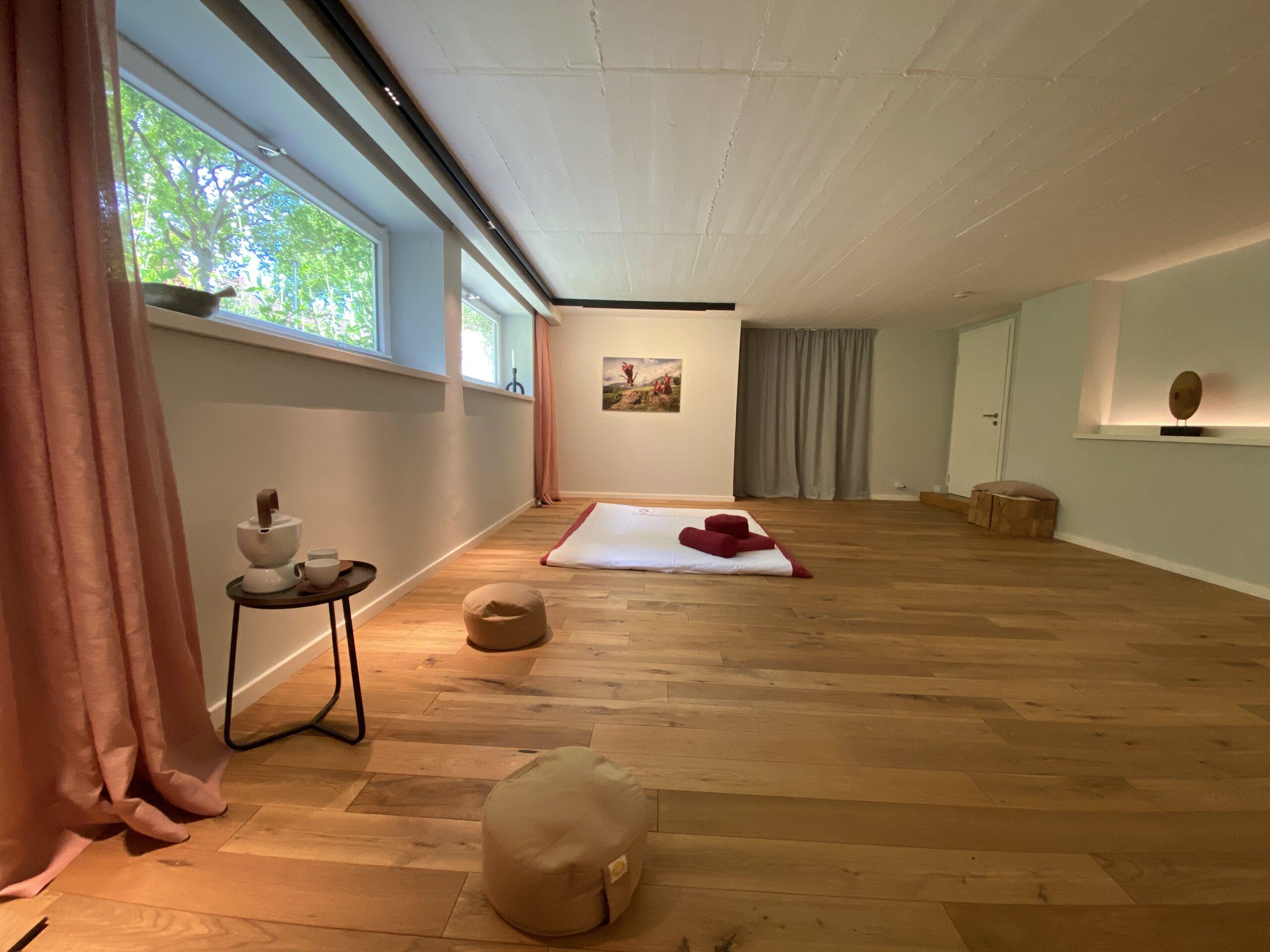 Ambiente Lichtwirkung und gezielte Illumination in Shiatsu-Raum Maren Kohls